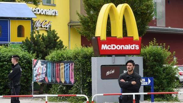 El frente del local de McDonald