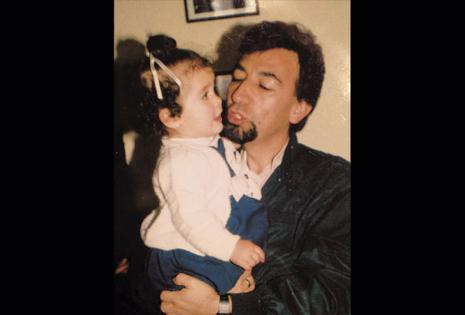 Su cuenta en Facebook está llena de fotografías de Ana con su padre, Carlos. El pasado 28 de junio habría cumplido 72 años