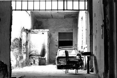 El lugar de cautiverio. Macri estuvo 12 días en el sótano de esta casa de la calle Garay. FOTO: EDUARDO GROSSMAN/ARCHIVO CLARIN