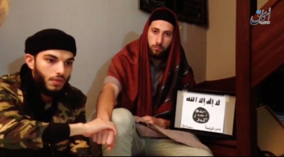 Abdel-Malik Nabil y Adel Kermiche, el día del asalto a la iglesia en Normandía.