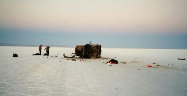 Un accidente en el Salar de Uyuni dejó cinco personas fallecidas. Esta es la supuesta foto del siniestro que empezó a circular en redes sociales