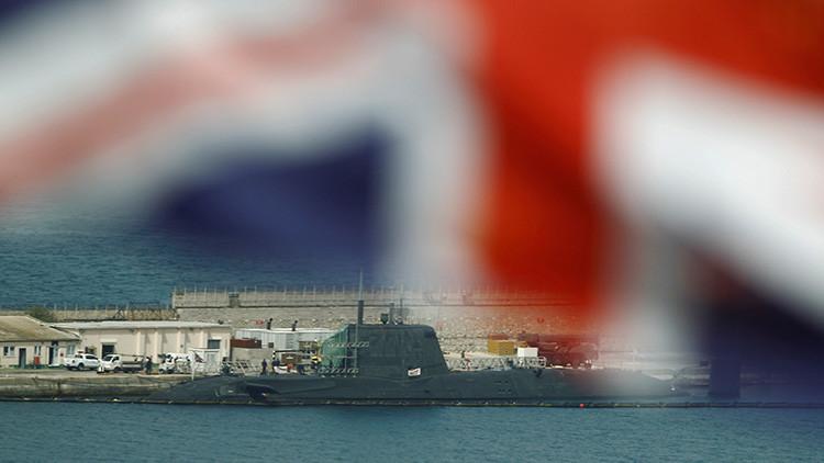 El submarino nuclear británico HMS Ambush es reparado en Gibraltar tras sufrir una colisión