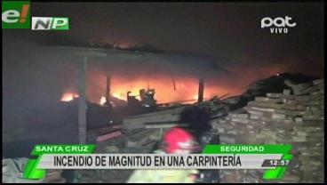 Grave incendio en una carpintería alarma a los vecinos