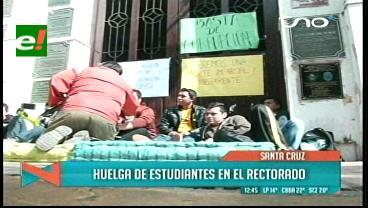 Estudiantes de la Uagrm inician huelga de hambre
