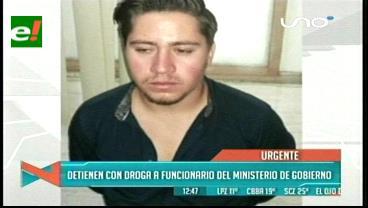 Detienen a presunto funcionario del Ministerio de Gobierno intentando meter droga a Palmasola