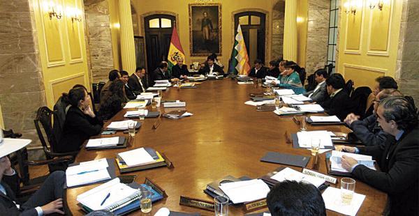 El gabinete se reunió de emergencia para analizar las medidas que buscan paliar los efectos de la sequía