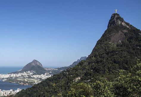 Vista del Pan de Azúcar (izq.) y el Cristo del Corcovado en Río de Janeiro. Foto: EFE