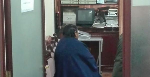 La exministra del Gabinete de ministro de Evo Morales minutos antes de iniciada su audiencia cautelar.