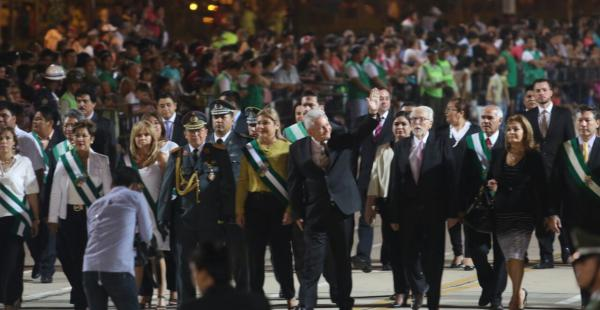 Rubén Costas en los actos cívicos por el 6 de agosto