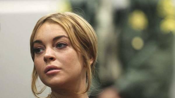 Lohan, envuelta en un episodio de violencia de género, se separó y denunció públicamente a su ex novio. (REUTERS)