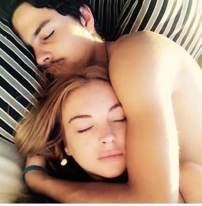 Lindsay Lohan y su novio, en la cama.