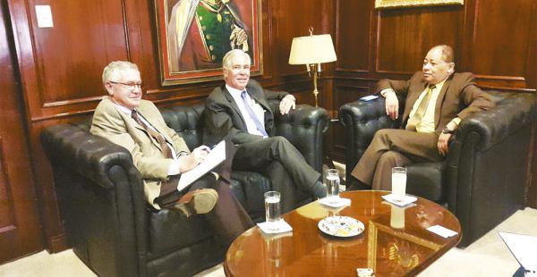 Hace poco menos de dos semanas se reunieron el encargado de negocios de EEUU y el ministro Romero
