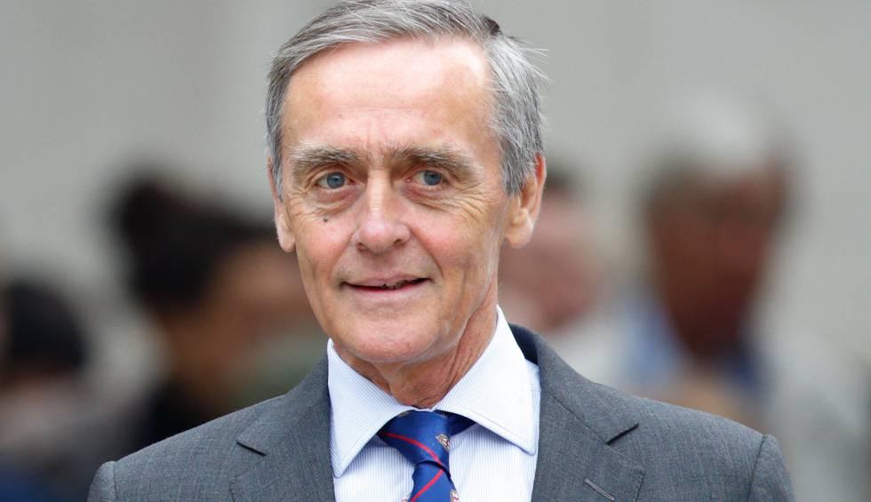 El duque de Westminster Gerald Grosvenor, asistiendo a la catedral de St Paul con motivo del 90 cumpleaños de la reina Isabel II.