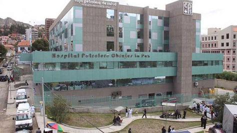 Vista del complejo hospitalario de la Caja Petrolera en el barrio de Obrajes, al sur de La Paz.