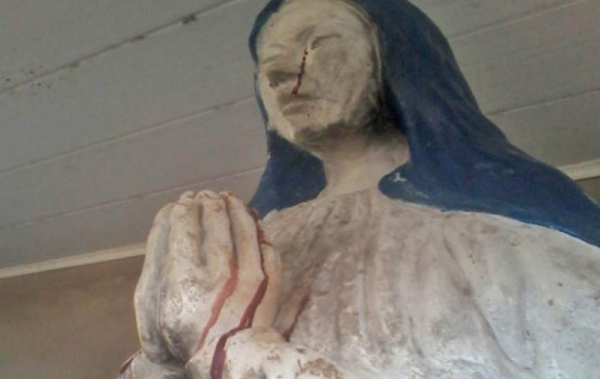 Reportan que virgen de Pando llora sangre