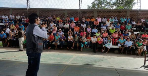 Maestros rurales del municipio El Torno reciben información del INE