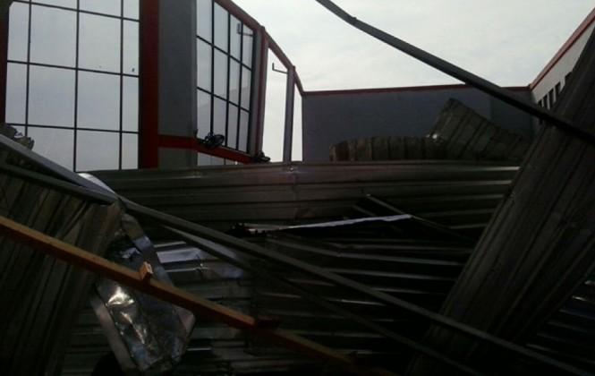 Fuertes vientos provocan estragos en Guayaramerín, la terminal aeroportuaria está destruida