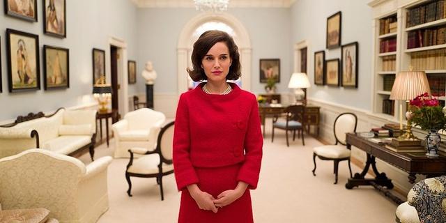 Natalie Portman como Jackie O. en