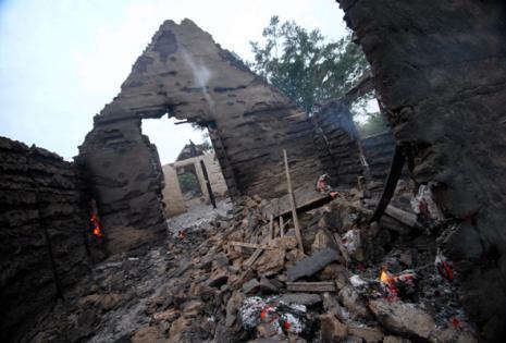 Las viviendas quedaron convertidas en cenizas. Los damnificados piden ayuda