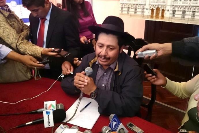 Esteban Urquizu rechaza propuestas de otros gobernadores. Foto: Archivo