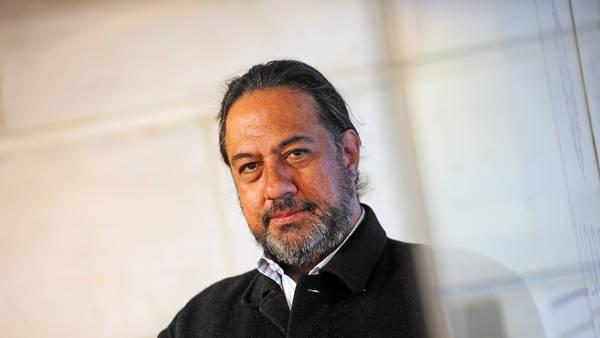 CESAR CANSINO,POLITOLOGO MEXICANO. FOTO JUAN MANUEL FOGLIA