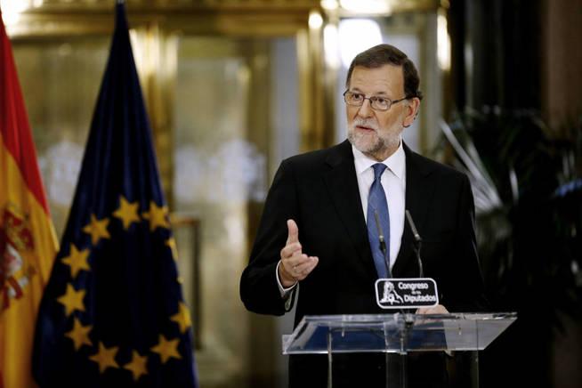 El presidente del Gobierno en funciones, Mariano Rajoy, durante una comparecencia ante los medios. (EFE)
