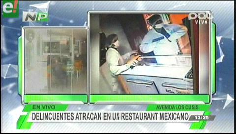 Delincuentes vestidos de médicos atracaron un restaurante