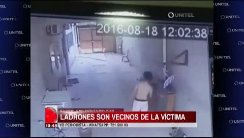Cámaras de seguridad captan a jóvenes robando garrafas de un domicilio