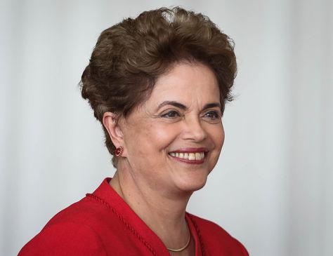Ayer. Dilma Rousseff después de emitir su discurso en el Palacio de Alborada en Brasilia. Foto: EFE
