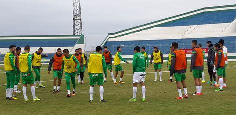 La selección practicó por la mañana en el estadio Édgar Peña de Santa Cruz