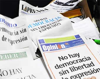 Reglamento del Artículo 16 de la Ley de Lucha Contra el Racismo, se elaborará, con o sin la presencia de periodistas y propietarios de medios de comunicación.