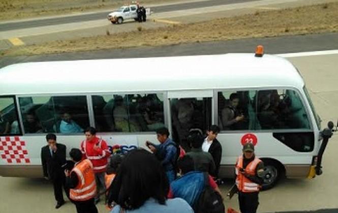 Llanta de avión de BoA revienta al aterrizar en el aeropuerto de El Alto y causa zozobra en pasajeros