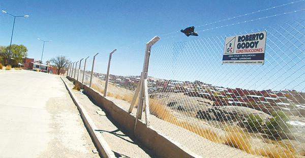 Una malla fue colocada en la frontera Argentina-Bolivia, en Potosí, para evitar el ingreso de contrabando