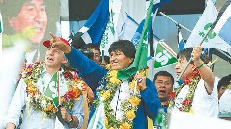 El presidente Evo Morales en plena campaña por la aprobación de estatutos autonómicos en febrero de este año.