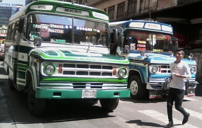 Tras incendio en La Paz, sindicato reconoce que 3.000 micros tienen más de 30 años de antigüedad
