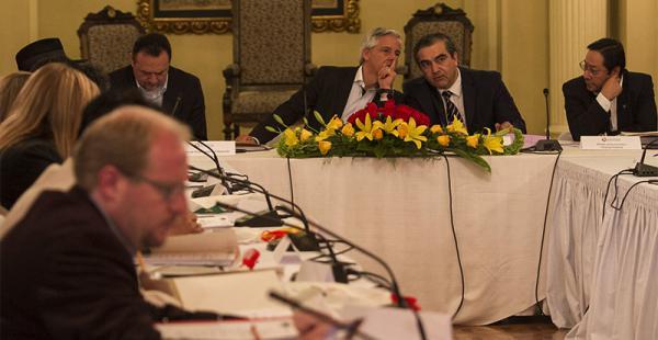 el gobierno dice que el pacto fiscal no se debe confundir con una mera redistribución de recursos Los gobernadores del país han sido convocados este miércoles a La Paz para debatir temas del pacto fiscal