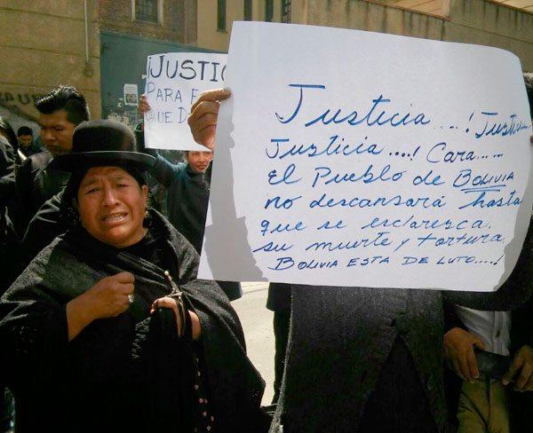 Familiares de Rodolfo Illanes protestaron en juzgados y pidieron esclarecer la muerte.