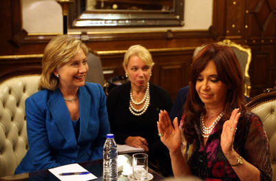 Hillary durante una visita a Cristina Fernández de Kirchner.