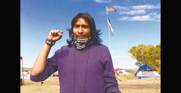 un guerrero raza de bronce entre los pieles rojas Se considera tataranieto de Julián Apaza (Túpac Katari). Dice que estuvo en la guerra del gas