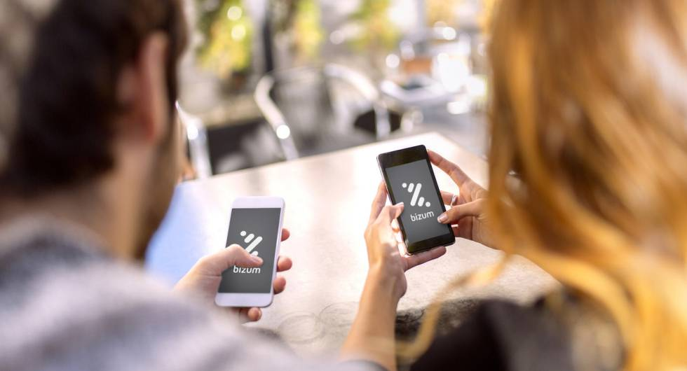 Para enviar dinero, los dos usuarios tienen que tener una app asociada a Bizum.