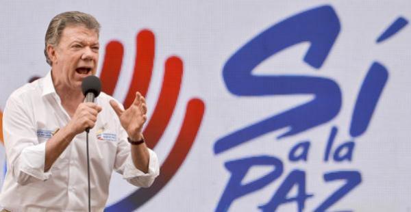 Santos, siendo periodista, escribió sobre la guerrilla, ganó el premio Rey de España y ahora es Nobel de la Paz en Colombia