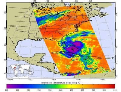 Imagen difundida por la NASA del paso del huracán Matthew.