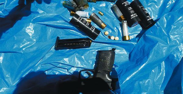 La Defensoría del Pueblo mostró las armas y municiones que fueron utilizadas en el operativo policial