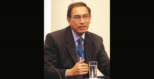 Martín Vizcarra es ingeniero civil. Fue gobernador regional de Moquegua, entre 2011 y 2014