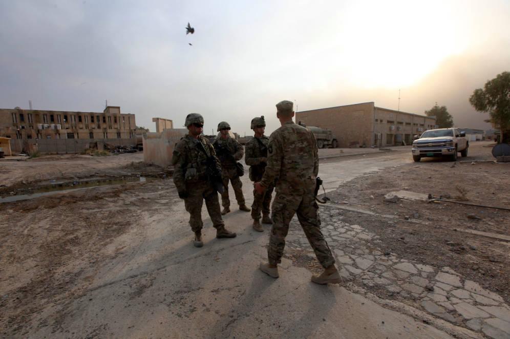 Foto: Soldados estadounidenses en una base en la zona de Makhmour, cerca de Mosul, durante la ofensiva contra el ISIS, el 18 de octubre de 2016. (Reuters)