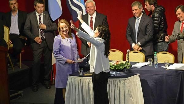 Alicia Kirchner cuando juró como gobernadora.