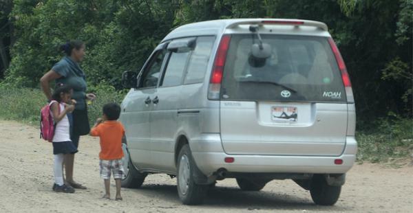Los autos sin placas se pueden observar en su mayoría en los valles cruceños