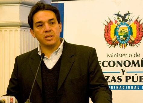 El viceministro de Pensiones y Servicios Financieros, Mario Guillén, informa.