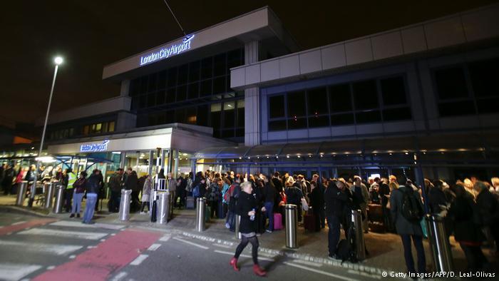 Großbritannien - London City Flughafen (Getty Images/AFP/D. Leal-Olivas)