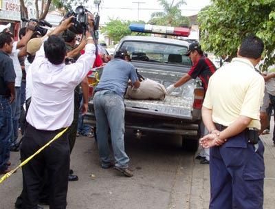 Resultado de imagen para El insólito forense ebrio que se caía encima del cadáver que debía revisar